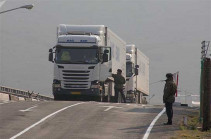 В Азербайджане прокомментировали проверку грузовиков, следующих из Ирана в Армению