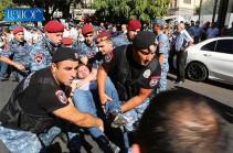 «Если вы готовы служить властям Турции, то мы – нет»: протестующих против «параллельного» празднества подвергают приводу