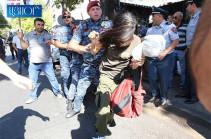 Полицейские получили приказ жестоко избить всех, чтобы не смели больше протестовать – Армен Григорян вышел из полиции
