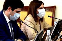 Вакцинация от коронавируса не исключает риска заражения – министр здравоохранения