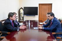 ՀՀ մարդու իրավունքների պաշտպանը ՀՀ-ում ԱՄՆ նախկին դեսպանին է ներկայացրել ադրբեջանական զինված ծառայողների կողմից սահմանային բնակիչների իրավունքների խախտման փաստերը