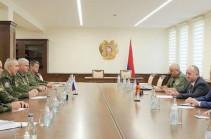 Руководству Минобороны Армении представлен новый командующий миротворческим контингентом РФ в Карабахе