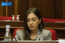 Փաստորեն, թուրքի հրամանով և բանավոր պայմանավորվածությամբ Հայաստանի Սահմանադրության փոփոխություն պիտի արվի․ Աննա Մկրտչյան