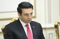 Ален Симонян поблагодарил Лаврова и президента России