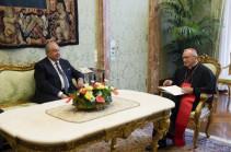 Սուրբ Աթոռի հետ միջպետական հարաբերությունները մշտապես աչքի են ընկել բարձր մակարդակի երկխոսությամբ. ՀՀ նախագահը հանդիպել է Սուրբ Աթոռի պետքարտուղար Պիետրո Պարոլինի հետ