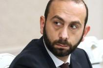 Российские СМИ сообщают об ожидающейся в Минске трехсторонней встрече глав МИД РФ, Армении и Азербайджана