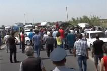 Виноградари провели акцию протеста: они требуют закупки винограда