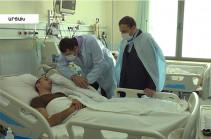 Один из прооперированных военнослужащих будет перевезен в Ереван: состояние раненых в Арцахе оценивается как стабильное