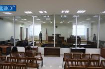 Судебное заседание по делу Роберта Кочаряна и Армена Геворкяна отложено