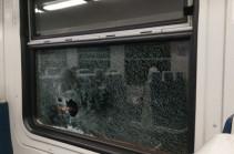В Армении забросали камнями пассажирский электропоезд, разбив стекло бокового окна