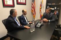 Госминистр Арцаха Артак Бегларян обсудил программы сотрудничества с конгрессменом США Дэйвидом Валадао