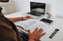Դպրոցական արձակուրդը կերկարաձգվի մեկ շաբաթով, բարձրագույն ուսումնական հաստատությունները կանցնեն հեռավար ուսուցման