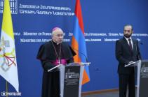 Просим, чтобы Папа Римский всегда помнил об армянских пленных и подчеркивал необходимость их скорейшего возвращения – глава МИД Армении