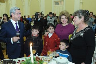 Многодетные семьи – на приеме в резиденции президента Армении
