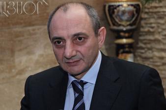 Президент Б.Саакян наградил медалями военнослужащих АО НКР