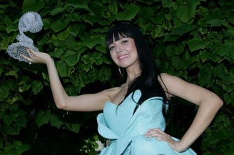 Russian singer Niloo wins New Wave 2012