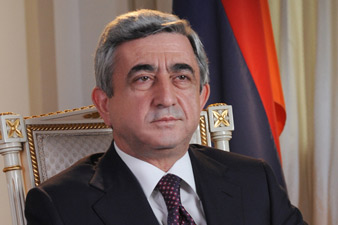 Serzh Sargsyan sends birthday greetings to Roland Sharoyan