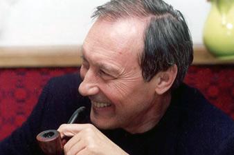 Армянский автор посвятил книгу памяти Олега Янковского