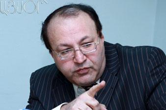 Hmayak Hovhannisian: Raffi behaves in contradictory way
