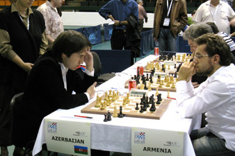 Azerbaijani chess players slaped in the face of their own Media