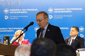 Медведев: Мероприятия по дорожной карте выполняются в полном объеме