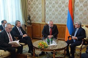 Armenia president receives OSCE mediators