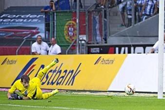 Casillas concedes 2 goals from Borussia Mönchengladbach