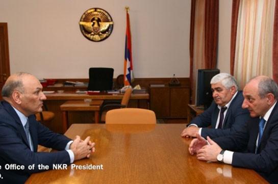 Бако Саакян и Гагик Хачатрян обсудили сотрудничество в финансово-экономической сфере