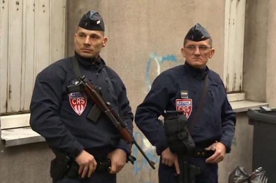 Французская милиция оцепила отель, вкотором таится вооруженный мужчина