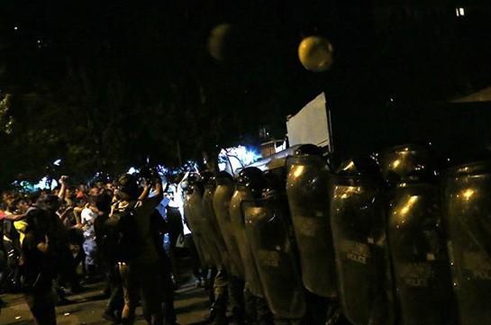 Число раненных в результате столкновений в Ереване увеличилось до 51