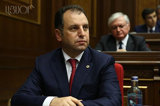 Виген Саргсян: Армия должна стать локомотивом государства