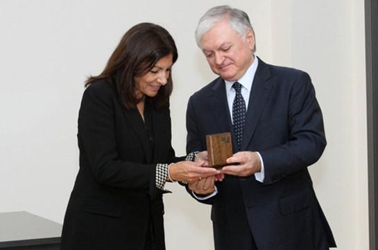 Мэр Парижа посетит софициальным визитом Ереван