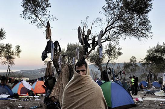 НаЛесбосе беженцы напали на кабинет миграционного агентства