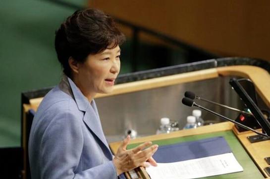 Президент Южной Кореи готова дать показания поскандалу вгосударстве