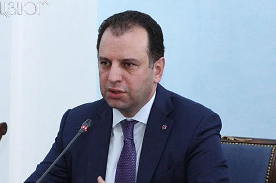 Виген Саркисян представил заявление о вступлении в ряды правящей РПА
