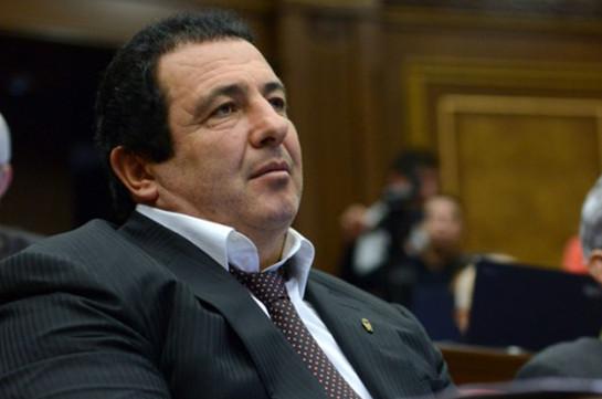 «Процветающая Армения» просит Гагика Царукяна вернуться в активную политику