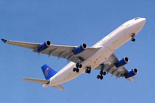 Пассажирский самолет едва непотерпел крушение вСША