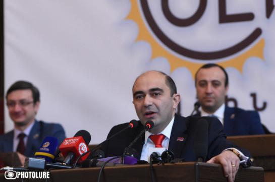 Действия блока «Елк» направлены на мирную смену власти – Эдмон Марукян