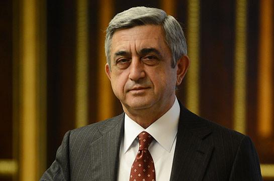 Серж Саргсян поздравил Роухани