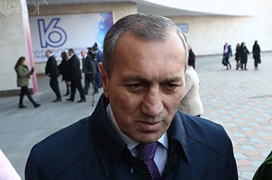 Абрамян оставляет ряды правящей партии