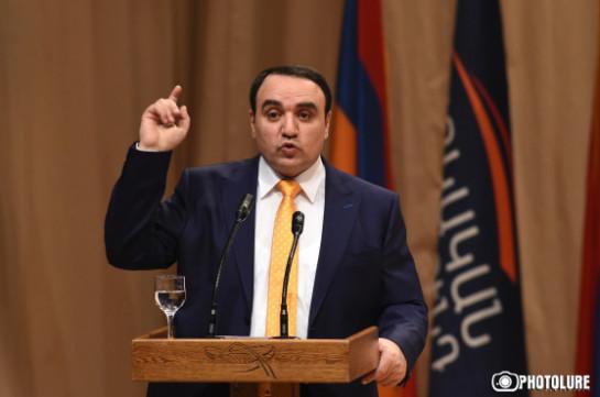 Партия Артура Багдасаряна ответила на предложение Блока «Оганян-Раффи-Осканян»