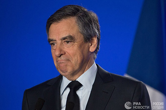 Макрон опережает ЛеПен перед первым туром выборов президента Франции