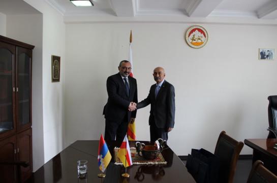 Министр иностранных дел Арцаха Карен Мирзоян принял участие в церемонии инаугурации президента Южной Осетии