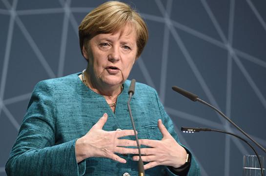 Меркель сообщила онеобходимости двойной стратегии НАТО вотношении РФ