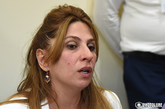 Дочку Заруи Постанджян подвергли приводу, однако машина испортилась