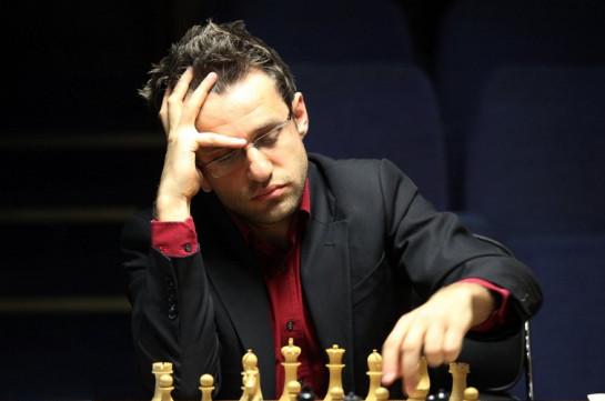 Житель россии Владимир Крамник нанес поражение норвежскому шахматисту Магнусу Карлсену