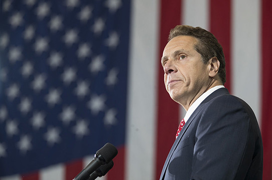 Губернатор штата Нью-Йорк призвал Трампа начать с него депортацию мигрантов