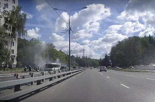 В Москве загорелся автобус с пассажирами