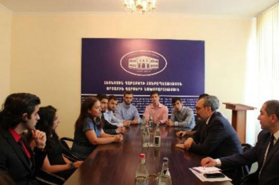 Глава МИД НКР принял делегацию студентов-армян из разных стран