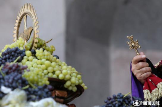 Հայ Առաքելական եկեղեցին այսօր նշել է Սբ. Աստվածածնի վերափոխման տոնը. Լուսանկարներ